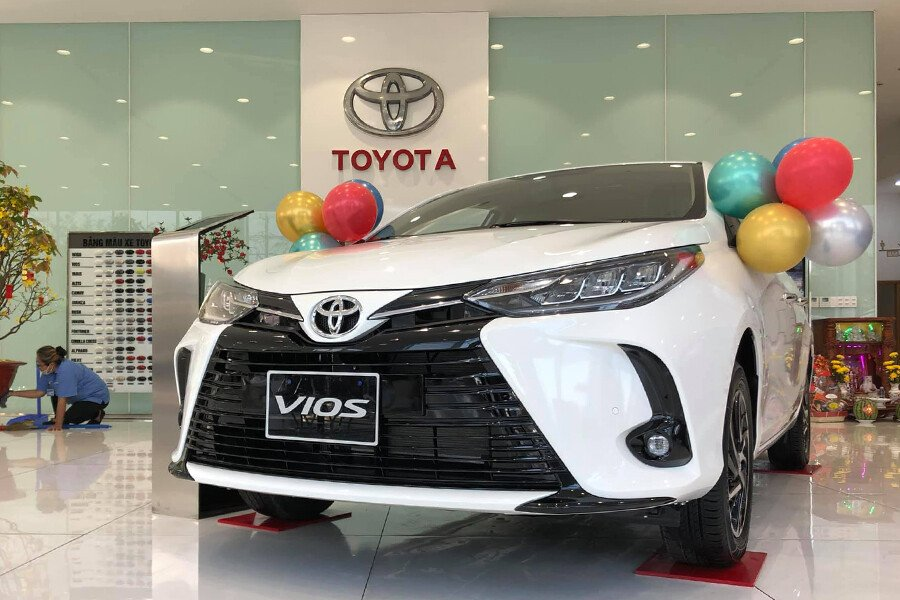 Toyota Vios 1.5E CVT (3 túi khí) - Hình 3