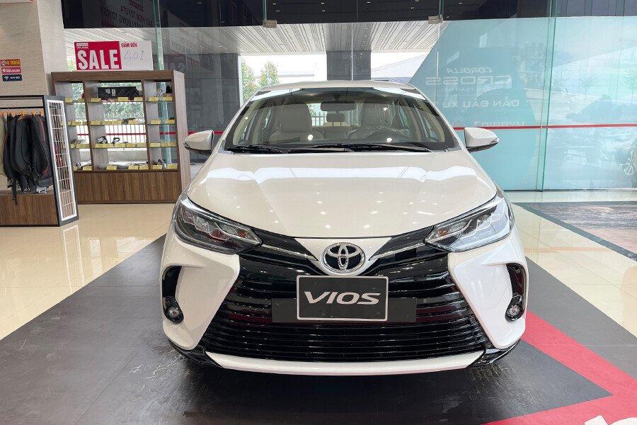 Toyota Vios 1.5E CVT (3 túi khí) - Hình 5