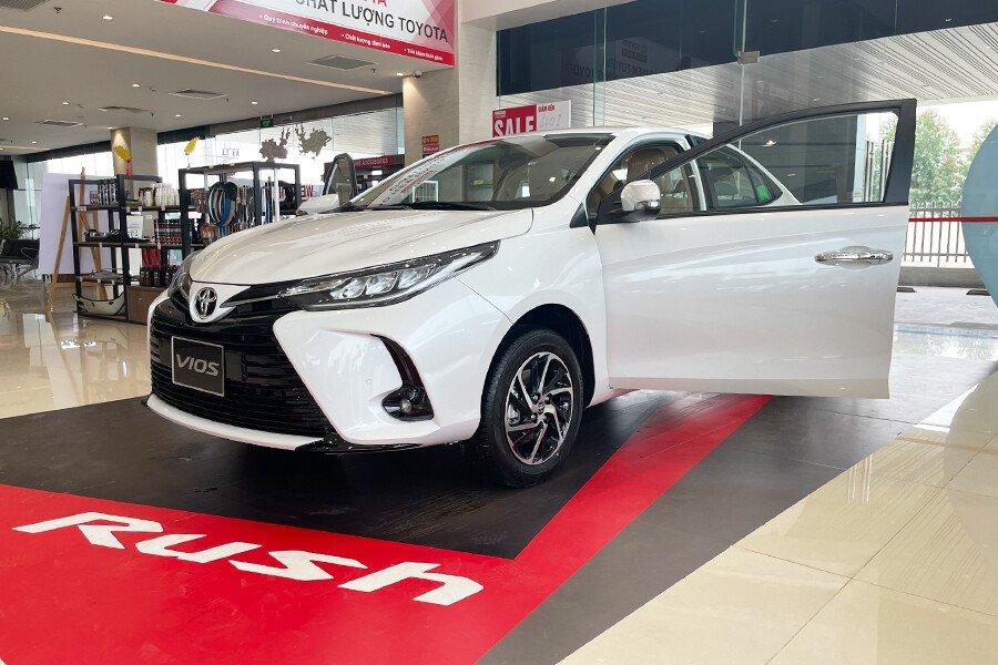 Toyota Vios 1.5G CVT - Hình 3
