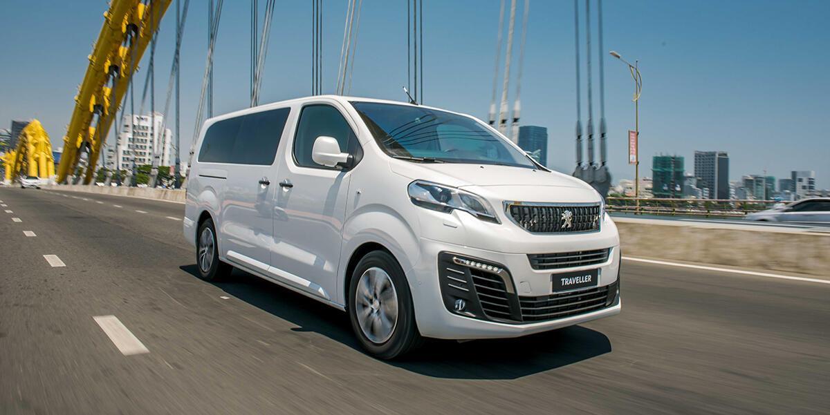 Peugeot Traveller 2019 - Hình 1