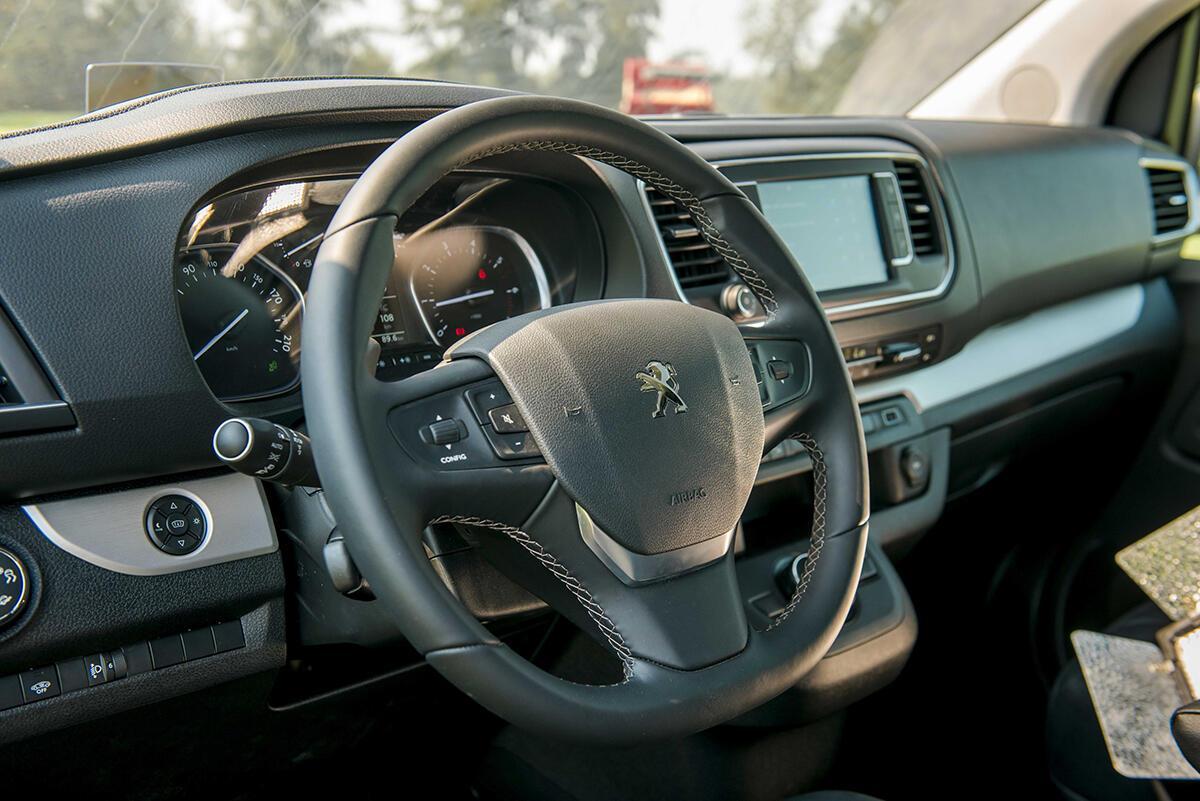Peugeot Traveller 2019 - Hình 22