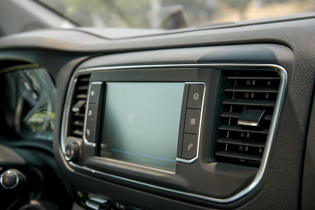Peugeot Traveller 2019 - Hình 24