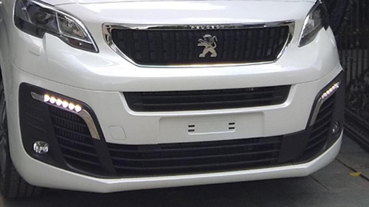 Peugeot Traveller 2019 - Hình 6