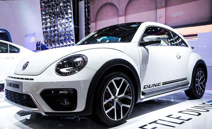 Volkswagen Beetle Dune 2.0L - Hình 1