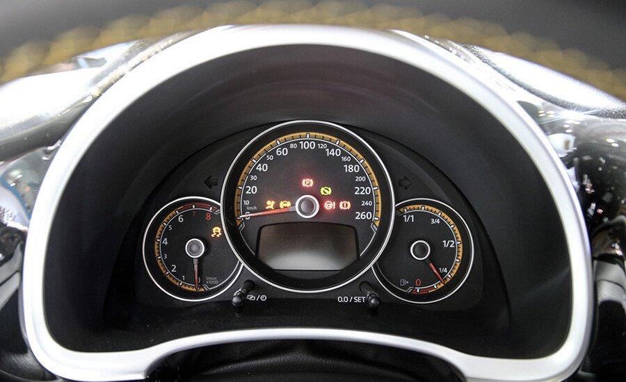 Volkswagen Beetle Dune 2.0L - Hình 12