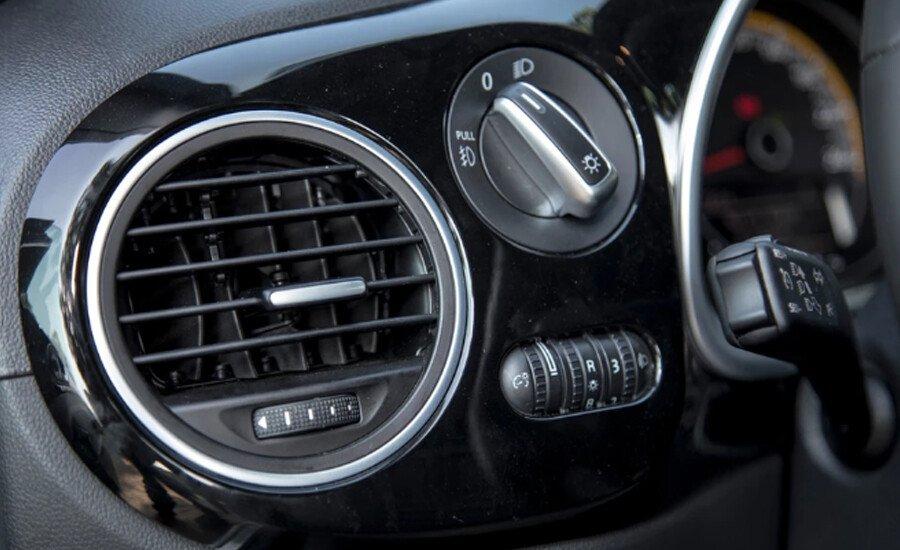 Volkswagen Beetle Dune 2.0L - Hình 13
