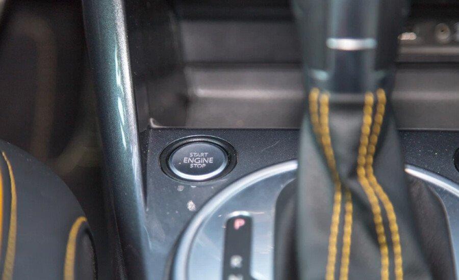 Volkswagen Beetle Dune 2.0L - Hình 16