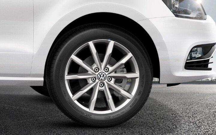 Volkswagen Polo Hatchback 1.8L - Hình 4