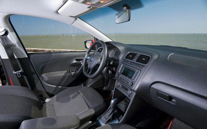 Volkswagen Polo Hatchback 1.8L - Hình 6