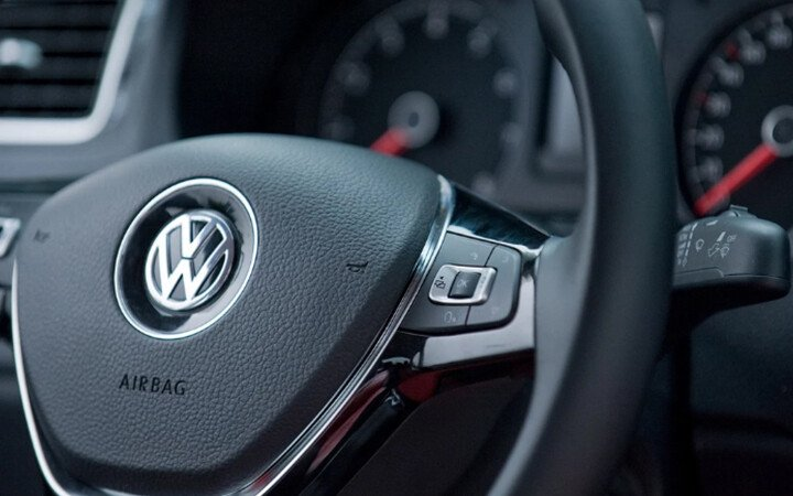 Volkswagen Polo Hatchback 1.8L - Hình 8
