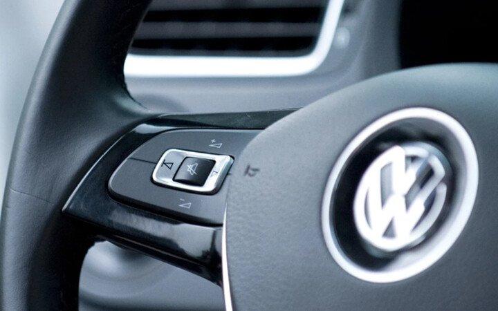 Volkswagen Polo Hatchback 1.8L - Hình 9