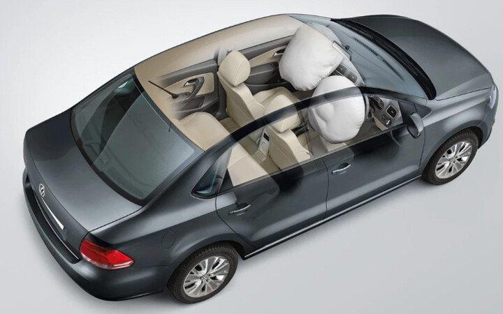 Volkswagen Polo Sedan 1.6L - Hình 16