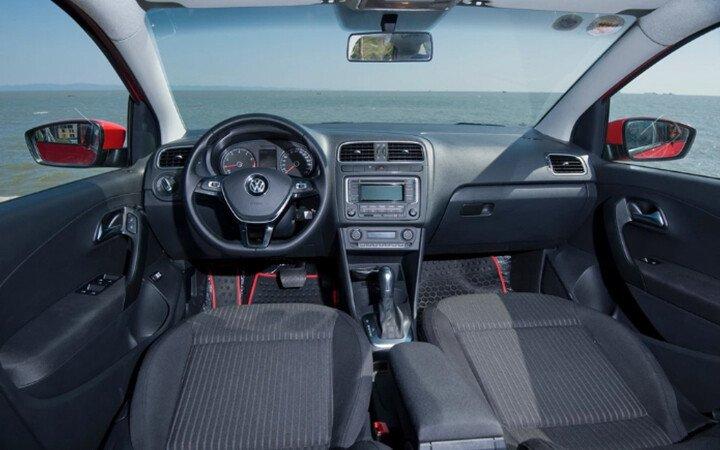 Volkswagen Polo Sedan 1.6L - Hình 8