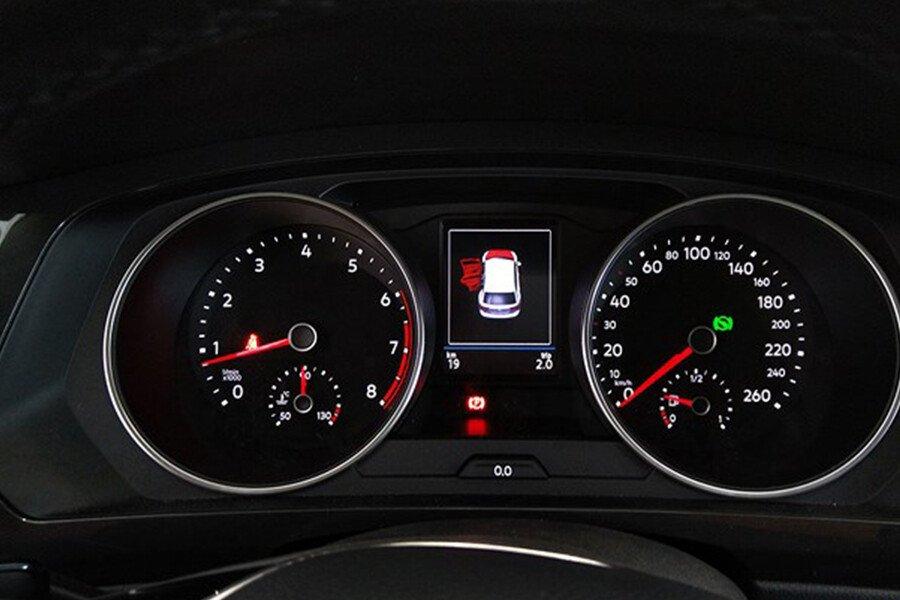 Volkswagen Tiguan Allspace 2.0L - Hình 11